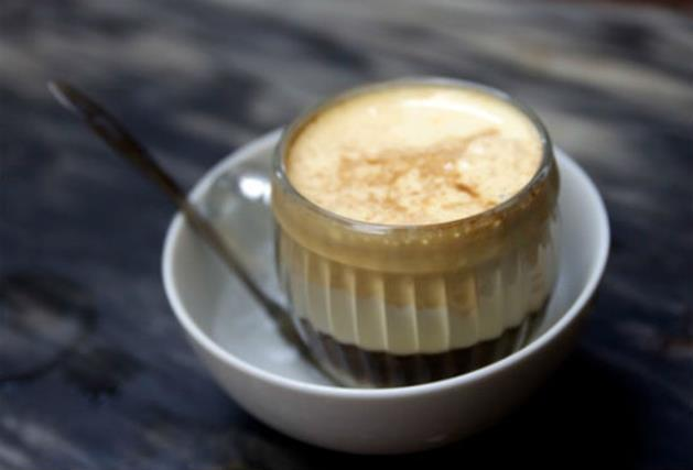 丰富的鸡蛋咖啡