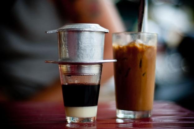 通过菲因咖啡过滤器