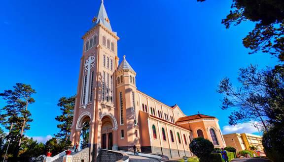 chicken church vietnam da lat cathedral