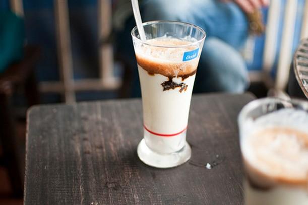 Yoghurt coffee